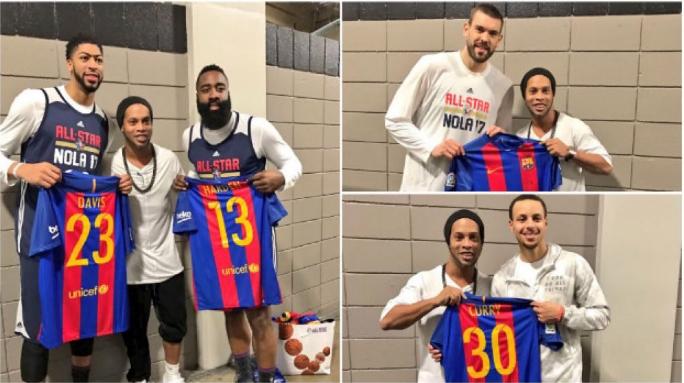 3ac95b9dc2 Ronaldinho mostrou camisola Barcelona no NBA All Star